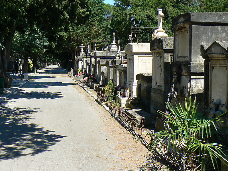 The Saint-Véran Cemetery in Avignon
