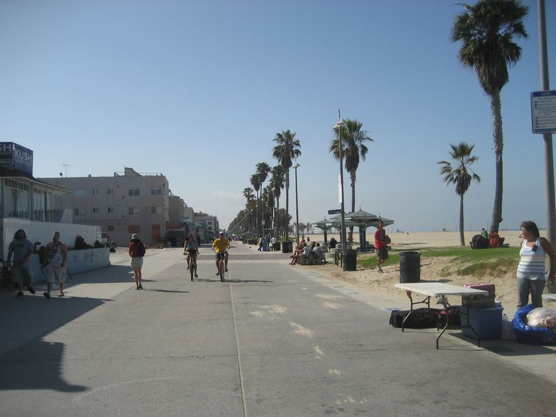 Bicycle path between Venice Beach and Santa Monica