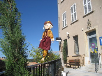 An Épouvantail (Scarecrow) in the streets of Ramatuelle