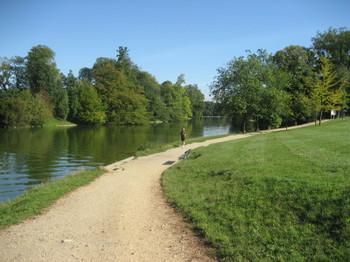 Dave DeMoney doing his morning run in Bois de Boulogne