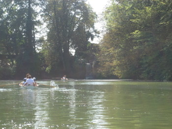 Rowers in Bois de Boulogne in Paris