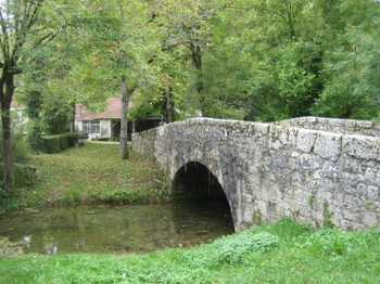 A Medieval Humpback Bridge right next to Chez Colby in St-Martin-de-Vers in the Lot Valley