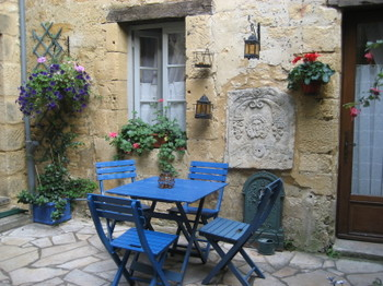 The Courtyard of the Chambre d'Hôte in Sarlat called La Lanterne