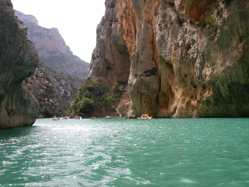 Navigating the Gorge du Verdon by Paddleboat